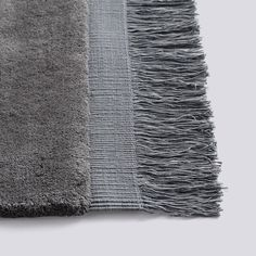 The Hay Raw Rug is a tightly tufted rug made from wool with a cotton backing and each end is finished with a border edge and elongated cotton looped frays. Beige Carpet, Diy Carpet, Rugs On Carpet, Carpets, Tom Dixon, Scandinavia Design, Carpet Installation, Classic Rugs, Weaving Textiles