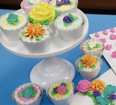 Buttercream Sweet Pea, Primrose, Daisy and Chrysanthemum Tutorial on Cake Central