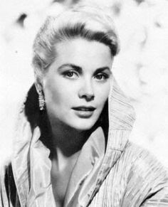 Grace Kelly (Grace Patricia Kelly) (born in Philadelphia (Pennsylvania, USA) on November 1929 – died in Monaco on September Hollywood Icons, Old Hollywood Glamour, Vintage Hollywood, Hollywood Stars, Hollywood Actresses, Classic Hollywood, Hollywood Photo, Lauren Bacall, Divas