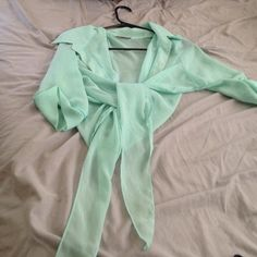 Mint colored 3 quarter sleeve shirt Size lg Body Central Tops