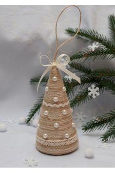 Diy Felt Christmas Tree, Handmade Christmas Decorations, Christmas Crafts For Kids, Xmas Crafts, Rustic Christmas, Christmas Projects, Holidays, Winter, Angel Crafts