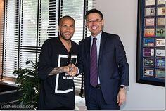 Dani Alves renueva con el Barça hasta 2017 - http://www.leanoticias.com/2015/06/09/dani-alves-renueva-con-el-barca-hasta-2017/
