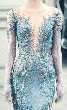 This is Elsa's dress and no one will convince me otherwise. Disney Aesthetic, Princess Aesthetic, Ice Aesthetic, Queen Elsa, Ice Queen, French Bleu, Elsa Dress, Halloween Disfraces, Narnia