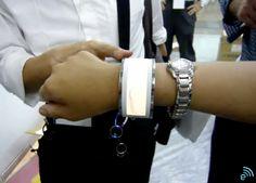 ROHM shows off flexible organic EL light tech in shiny bracelet form -- Engadget
