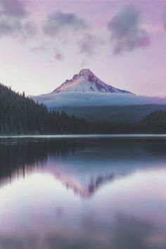 Mt. Hood National Forest, Trillium Lake by Shaun Peterson in Oregon.