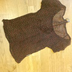 Blůzička 36 velikost průsvitná bluzka,cena 50kč