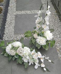 Branch Decor, Ikebana, Porch Decorating, Funeral, Floral Arrangements, Floral Wreath, Decoration, Wreaths, Flowers