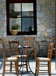 The next morning we wake up at 9:00 we start off are day going to a Kafenio. In Greece everyone hangs here in the morning and drink coffee yummmm!! totall cost here 10 for all  3 WOW THATS CHEAP I KNOW AND REALLY GOOD!(;