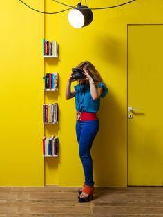 Die Fronteinstieg ist, bei dem die Fett gelbe Farbe seine Präsenz am meisten bekannt für erste Eindrücke. Die skurrilen Film Stil Beleuchtung kann hängen oben gesehen werden.