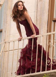 Love dresses like this. Also love Blair Waldorf.
