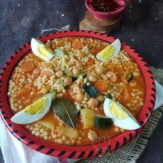 Aich Berkoukes, Mhamssa Plat Algérien   Gourmandise Assia Algerian Recipes, Algerian Food, Chana Masala, Salsa, Dishes, Ethnic Recipes, Ramadan, Decoration, Cake