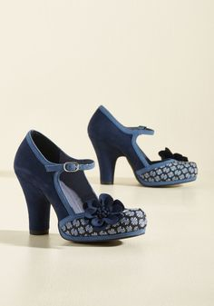 <p>Who knew debuting a pair of platform heels could be as thrilling as seeing an exclusive pre-screening? You did, duh! You've built up plenty of anticipation around the dotted-fabric toes, navy blue rosettes, and lighter blue trim of these faux-suede Mary Janes by Ruby Shoo, and soon they'll be celebrated by all your closest friends.</p>