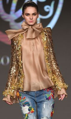 Soltana Fashion Forward Fall 2016 Collection by terra Estilo Fashion, Fashion Moda, Fashion 2017, Denim Fashion, Look Fashion, High Fashion, Womens Fashion, Fashion Design, Fashion Trends