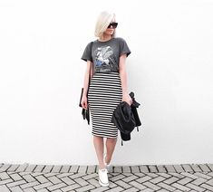 Ideas Fashion Modest Casual Pencil Skirts For 2019 Mode Outfits, Skirt Outfits, Fashion Outfits, Sneakers Fashion, Classy Outfits, Casual Outfits, Pencil Skirt Casual, Pencil Skirts, Striped Skirt Outfit