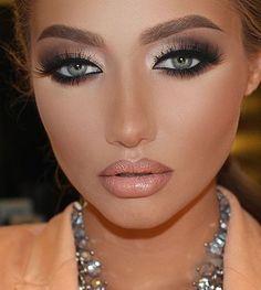 33 trendy eye makeup blue eys blonde hair pale skin red lips - All About Hairstyles Blue Eye Makeup, Smokey Eye Makeup, Eyeshadow Makeup, Kiss Makeup, Beauty Makeup, Hair Makeup, Flawless Makeup, Gorgeous Makeup, Makeup Inspo