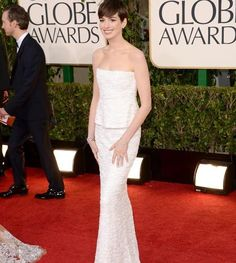 Anne Hathaway #GoldenGlobes #redcarpet