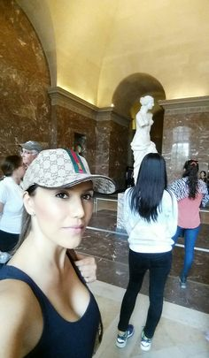 venus de milo louvre paris france