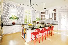 19 Kitchens with Colorful Accents