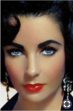 Hollywood Icons, Vintage Hollywood, Hollywood Glamour, Hollywood Stars, Classic Hollywood, Elizabeth Taylor Eyes, Elizabeth Taylor Cleopatra, Reese Witherspoon, Most Beautiful Eyes