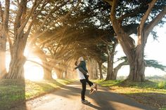 Travel Couple Pictures without giving your camera to a Stranger - Renee Roaming Cypress Tree Tunnel, Road Trip Usa, United States Travel, Travel Aesthetic, California Travel, Travel Couple, Romantic Travel, Travel Photography, Photography Tips