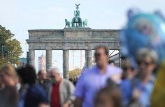 Tag der Einheit: Volksfest am Brandenburger Tor