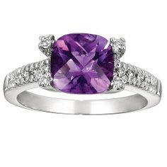 This checker-cut purple amethyst and pave-set round diamonds ring is a thoughtful, fashion forward, and luxurious gift for your mother.