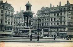Lyon: place des Jacobins fonds:  Cartes postales