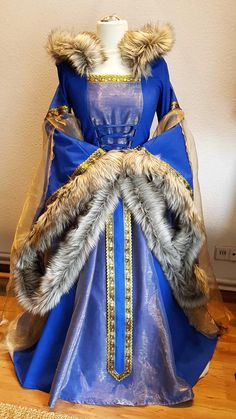 Custom made Medieval Dress Renaissance Gown LARP and