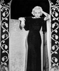 Carole Lombard: The Queen of Screwball Comedy (Posts tagged Carole Lombard) Old Hollywood Glamour, Golden Age Of Hollywood, Vintage Hollywood, Hollywood Stars, Classic Hollywood, Glamour Ladies, Hollywood Party, Hollywood Fashion, Carole Lombard