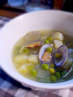 あさりのお出汁で美味しい♡ - 8件のもぐもぐ - あさりとグリーンピースとじゃがいもと玉ねぎのスープ by Sachiyo Tanaka