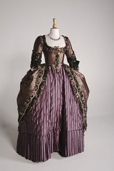 18th Century, Keira Knightley as Georgiana, Duchess of Devonshire. Costume Design by Michael O'Connor. Academy Award and BAFTA Award for Best Costume Design.