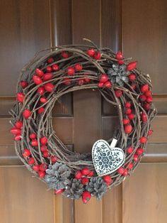 All Things Christmas, Christmas Diy, Christmas Wreaths, Autumn Decorating, Fall Decor, Diy Christmas Decorations Easy, Holiday Decor, Felt Crafts, Diy Crafts