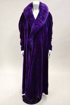 Francis Couture sumptuous deep purple velvet opera coat, early 1930s. Totally gasp worthy.