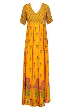 Anupamaa Dayal presents Mango floral printed kurta set available only at Pernia's Pop Up Shop. Mehndi Party, Short Sleeve Dresses, Dresses With Sleeves, Pernia Pop Up Shop, Party Outfits, Kaftan, Mango, Floral Prints, Summer Dresses