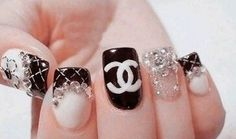 Chanel nails Niceeeeeeeeee :)