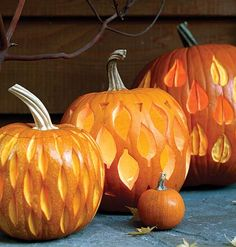 Harlequin leaves and many other non-halloween pumpkin carving ideas Awesome Pumpkin Carvings, Pumkin Carving, Pumpkin Carving Patterns, Fall Pumpkins, Halloween Pumpkins, Halloween Crafts, Halloween Decorations, Carved Pumpkins, Halloween Halloween