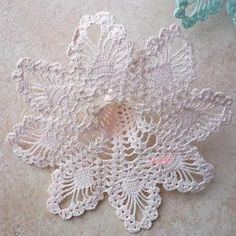 Lily Crochet Doily - Peace Lily - Lace Doily - Spring Decor - Farmhouse Decor - Handmade Doilies - Vintage Home Decor - Wedding Gift Beading Patterns Free, Crochet Flower Patterns, Crochet Flowers, Crochet Chart, Thread Crochet, Crochet Motif, Left Handed Crochet, Crochet Tree, Rose Applique