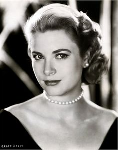 "THE AESTHETICS ""DOLL FACE"" - Grace Kelly, 1954"