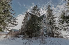 Ontario's Forgotten Abandoned Houses