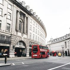 Sometimes I forget to admire the landmarks - #regentstreet you did stop me in my tracks  #thisislondon