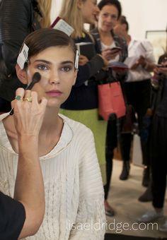 Making up backstage. http://www.lisaeldridge.com/ #LisaEldridge #Makeup #Beauty #LFW #MatthewWilliamson #OHMW
