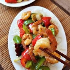 This Super delicious Black Pepper Shrimp stir fry is packed with plenty of fibrous vegetables and enough protein to satisfy your hunger. Your going to want to pull out the chop sticks for this one. Quick Recipes, Asian Recipes, Cooking Recipes, Healthy Recipes, Chinese Recipes, Keto Recipes, Canadian Cuisine, Canadian Food, Shrimp Stir Fry