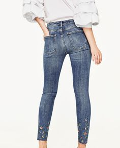 Image 5 of MID-RISE JEANS WITH EMBROIDERED FLOWERS from Zara