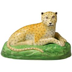 English antique earthenware Creamware pottery figure of a leopard, Staffordshire - Antique Staffordshire Pottery of John Howard Antique China, Rare Antique, Staffordshire Dog, English Pottery, Antique Pottery, Ceramic Animals, Cool Cats, Big Cats, Porcelain Ceramics