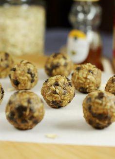 The Kitchen is My Playground: Peanut Butter Chocolate Chip Granola Bites