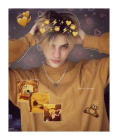 Tags🖤 noen notnoen cutenoen americanbky edits noeneubanks noeneubanksedits💕 not noen🖤 cuteboy tiktok boy nice russiagirl Wholesome Person, Grunge Guys, Boys Wallpaper, Cute Gif, Cute Icons, Grunge Fashion, Handsome Boys, Blue Hair, Beautiful Boys