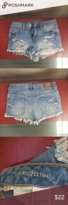 American Eagle | Hi-Rise Festival Jean Shorts Lightly worn. High rise. Pockets show when worn. Perfect for festivals and concerts. American Eagle Outfitters Shorts Jean Shorts