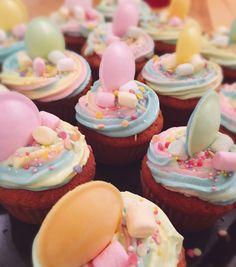 Unicorn Cupcakes • Rainbow • Marshmellow Unicorn Cupcakes, 4 Years, Rainbow, Sky, Desserts, Food, Creative Cakes, Rainbows, Heaven
