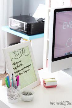 10 Dorm Hacks To Keep Your Room Organized - Society19