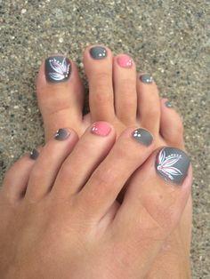 Grey/pink toe nails, flower design